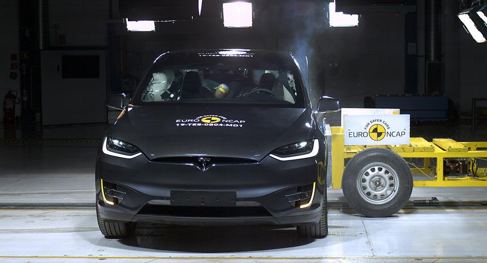 Tesla glänste bland dussin i krocktest – Jeep på efterkälken