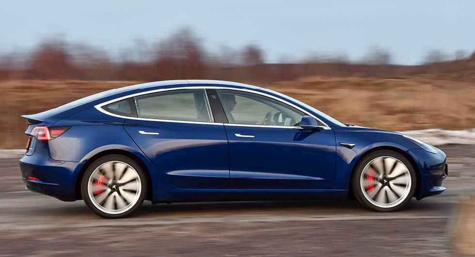 Tesla klättrar – Model 3 betydligt mer driftsäker