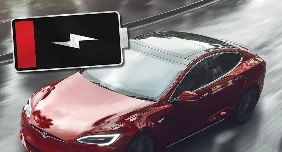 Teslatjuvar fick batteritorsk – togs av polisen
