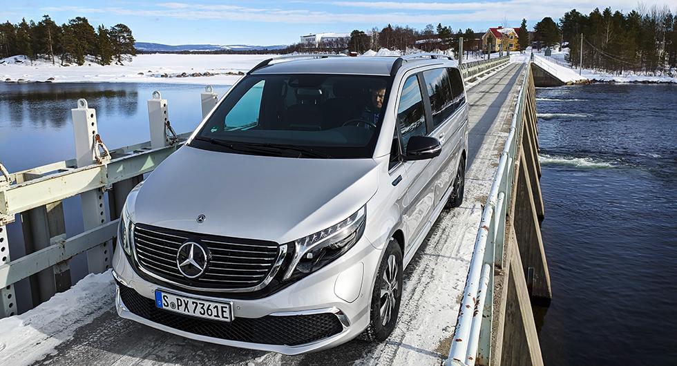 Då börjar Mercedes elbuss EQV säljas i Sverige