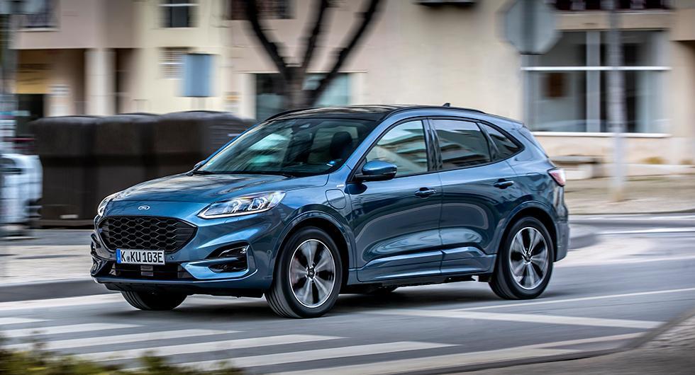 """Ford menar att Kuga har """"premium-proportioner"""". Oklart vad som menas, men är den inte påfallande lik Ford Focus Active?"""