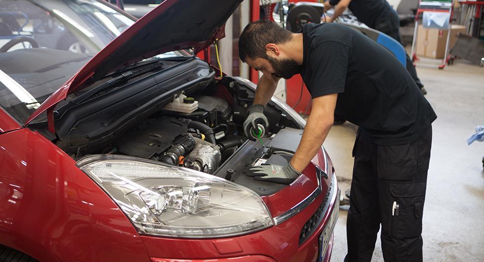 Kravet: Rot-avdrag på bilreparationer för att komma ur coronakrisen