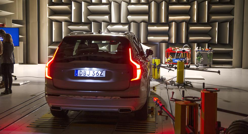 En Volvo XC90 laddhybrid är testobjetet för de nya ljuden.