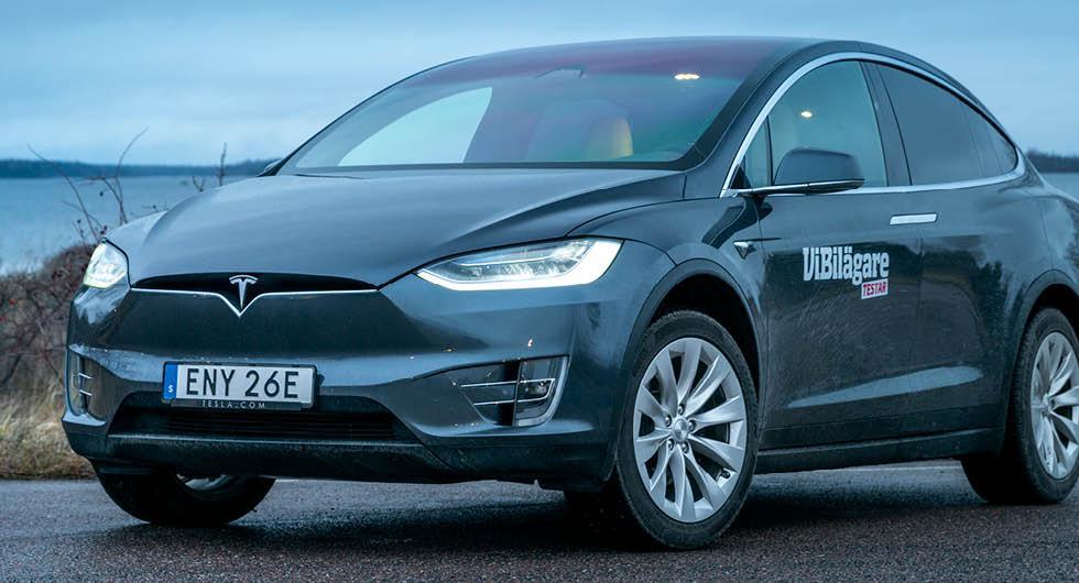 Tesla sänker priserna – flera modeller 50 000 kronor billigare