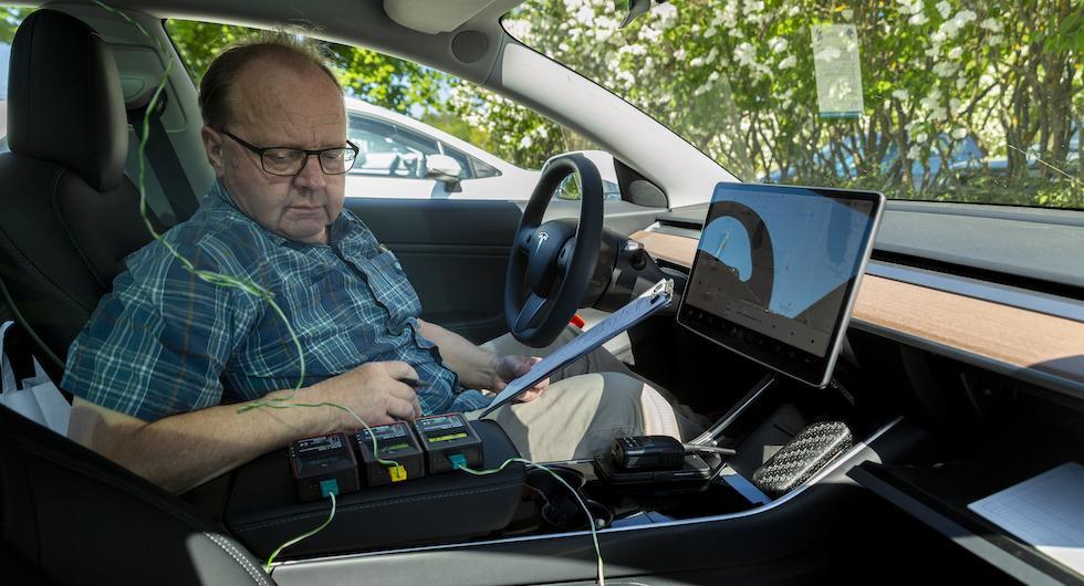 Termometrarna apterades på bestämda platser i testbilarna. Mätningarna av klimatanläggningarnas kylförmåga skedde var tredje minut.