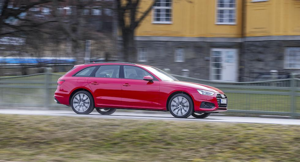Fyra gastankar ger Audi A4 G-tron en räckvidd runt 37 mil, plus nio mil på bensin.