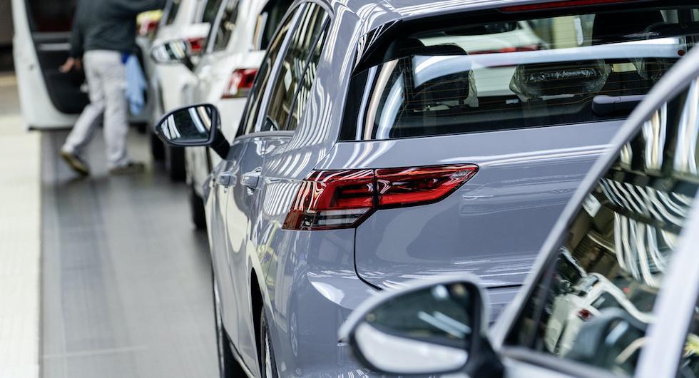 Efter buggstoppet: Nu är Volkswagen Golf på banan igen