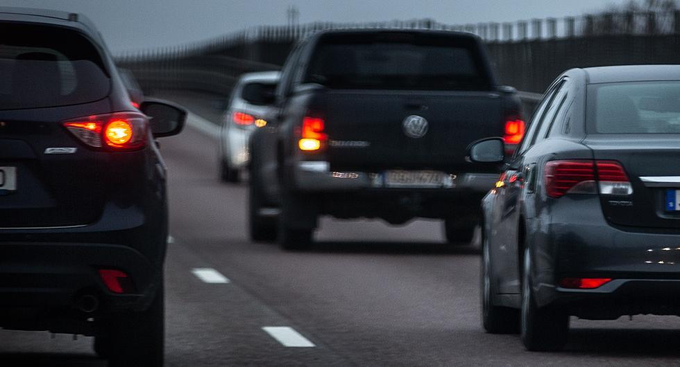 Bilfrågan: Bakljus, laddhybrider och vätgasbilar