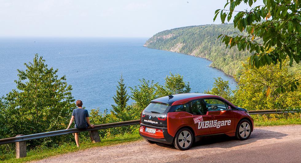 I trakterna kring Omberg bjuds du på vackra vyer på bilresan.