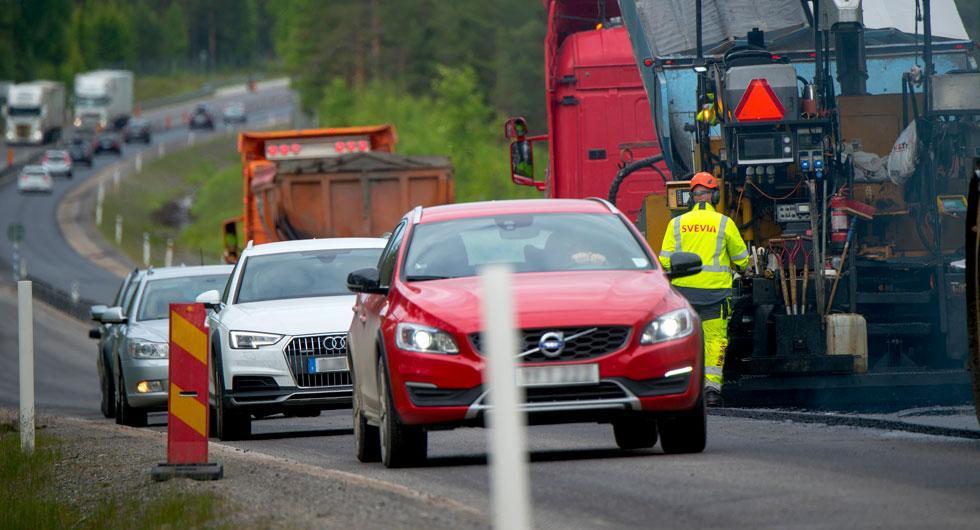 Ny undersökning: 4 av 10 kör för fort vid vägarbeten