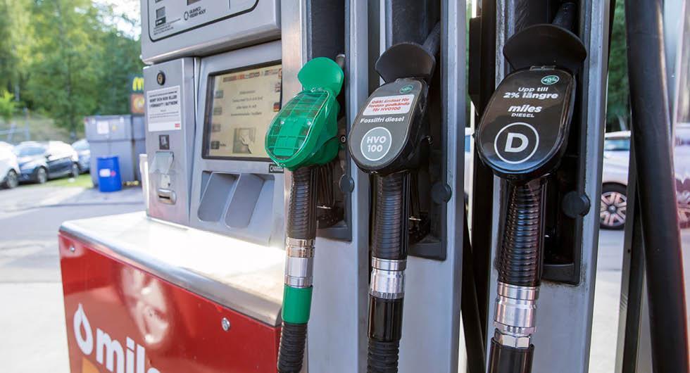 Besked i dag: Betydligt mer biobränsle i bensin och diesel