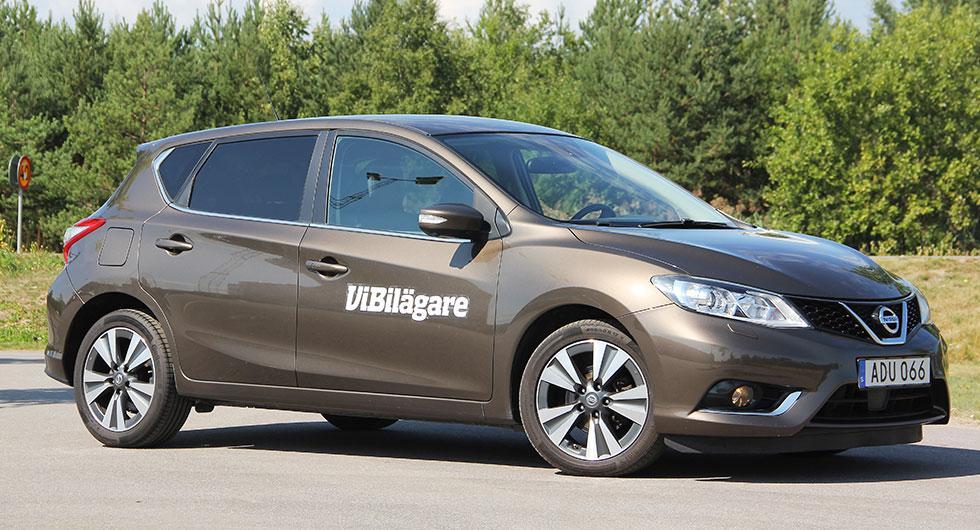 Nissan Pulsar är en praktisk men udda bil i Golfklassen.