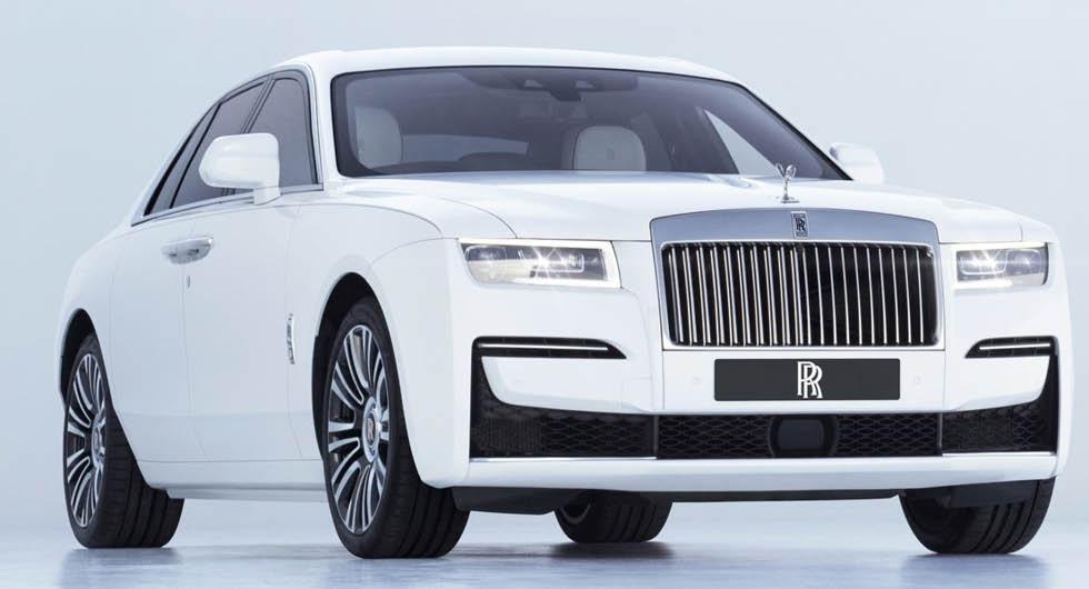 Rolls-Royce ska lansera elbil som laddas med robotarm