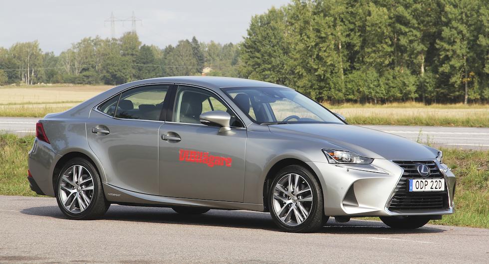Hög kvalitet, statusstämpel och komfort gör ägarna till Lexus IS nöjda.