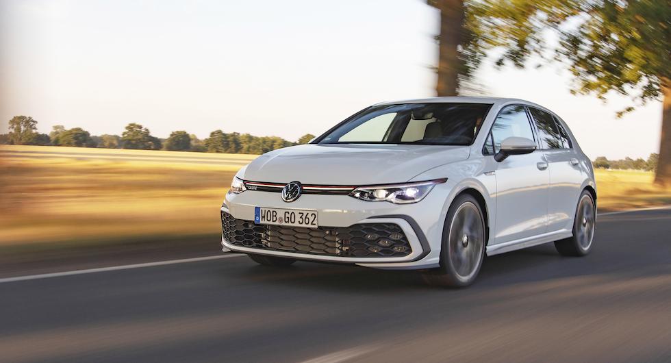 Front med markerat underbett utmärker den åttonde generationen av Volkswagen Golf GTI.