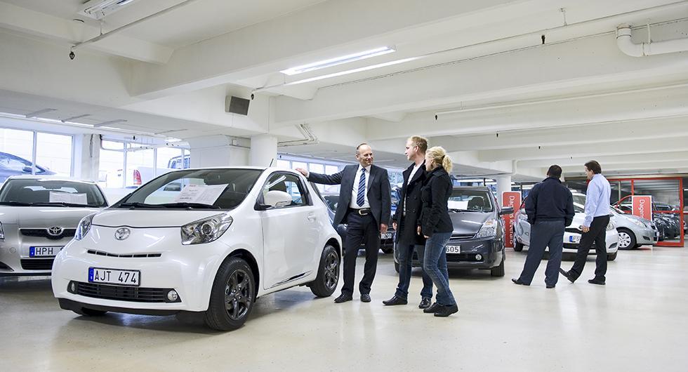 Begagnade bilar slår försäljningsrekord