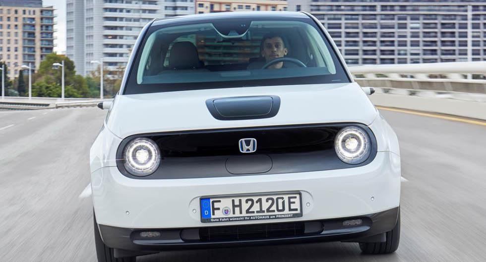 Honda tar hjälp av Tesla för att klara utsläppsmålet