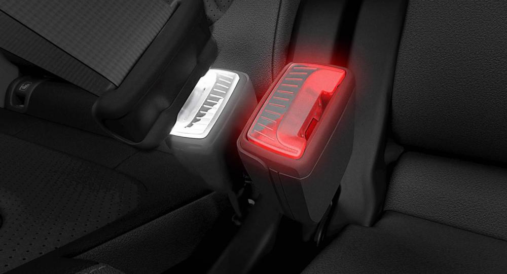 Skoda lanserar belysta knappar för säkerhetsbältet