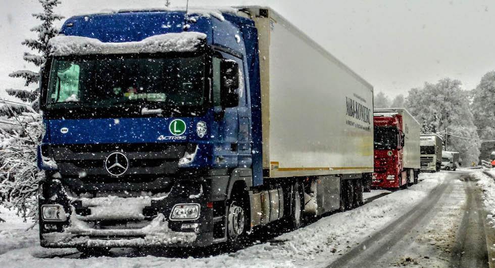 Hårdare krav på EU-trailers ska ge färre olyckor på vintern