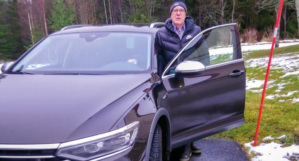 """Volkswagen Passat hittar på egna skyltar: """"Katastrof"""""""