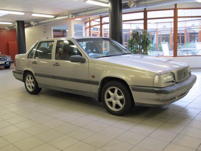En Volvo 850?