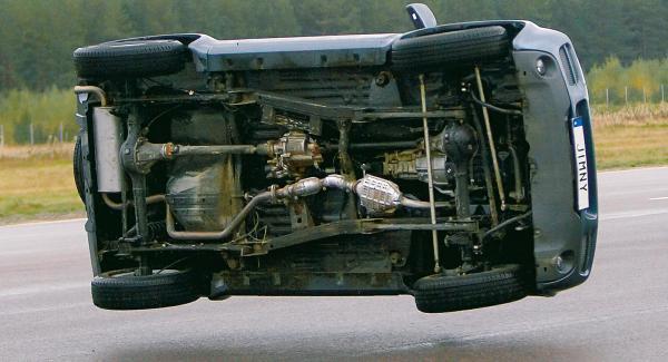 Suzuki Jimny i Vi Bilägares undanmanöverprov 2006.