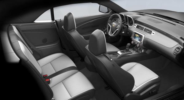 GM återkallar en halv miljon bilar av modellen Camaro. Anledningen är en tändningsnyckel som vrids för lätt.
