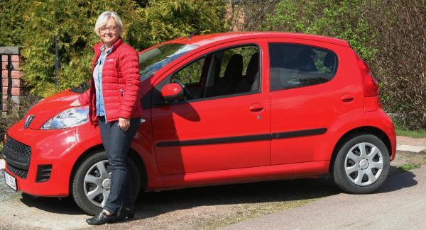 Maud Thunström svarade på 70 bedömningsfrågor i AutoIndex och belöningen blev ett resepresentkort värt 10 000 kronor.