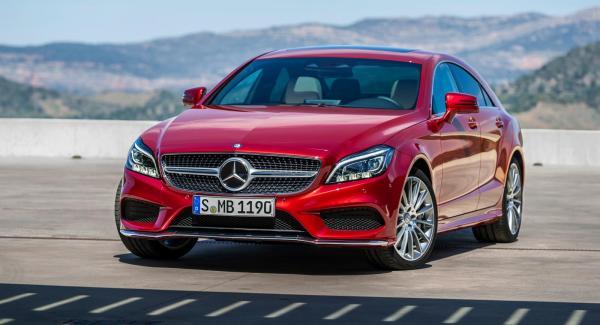Mercedes CLS uppdateras med bättre LED-strålkastare och nya motoralternativ.