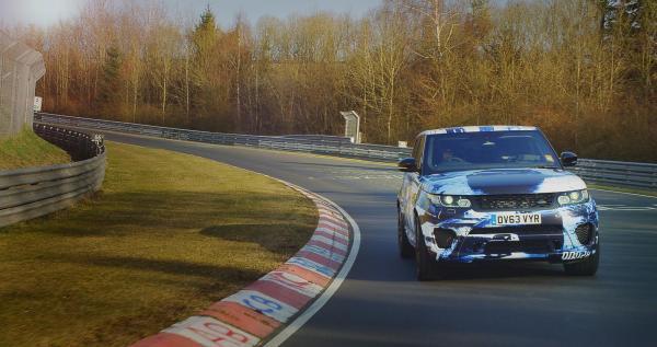 Range Rover Sport SVR med 550 hästkrafter är starkaste bilen någonsin från tillverkaren.