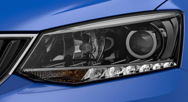 Skoda har släppt en bild på nya Fabias strålkastare. Hela bilen väntas avtäckas närmare premiären på bilsalongen i Paris.