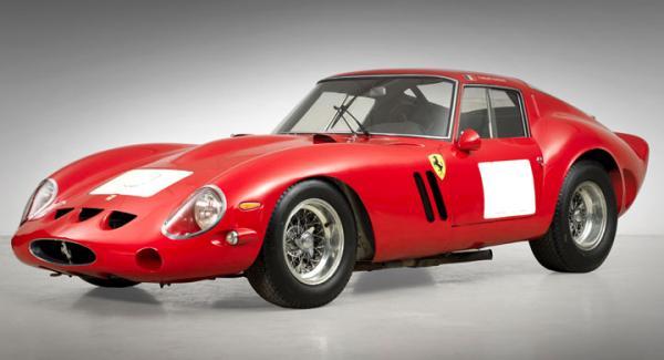 Denna Ferrari 250 GTO, en av 39 tillverkade, såldes för mer än 38 miljoner dollar.