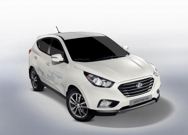 Hyundai ix35 Fuel Cell tillverkas parrallellet med vanliga ix35.