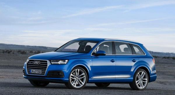 Här är första bilderna på andra generationens Audi Q7.