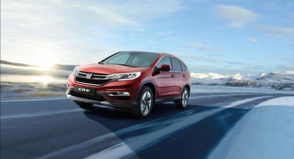 Honda CR-V får nya strålkastare och dimljus till 2015.