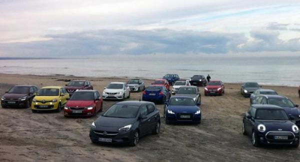 Sju finalister klara att drabba samman om titeln Årets bil 2015.