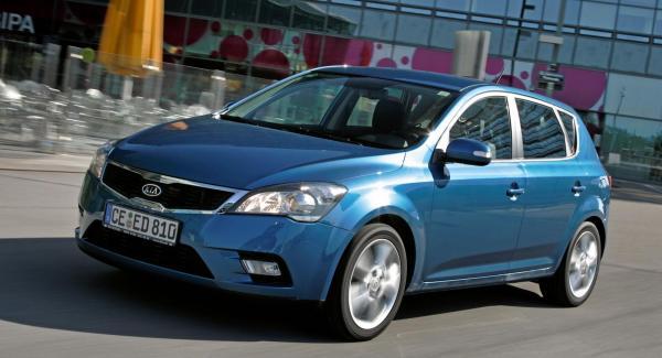 Full garanti gäller om bilen servas i rätt tid och inom den milgräns som gäller.
