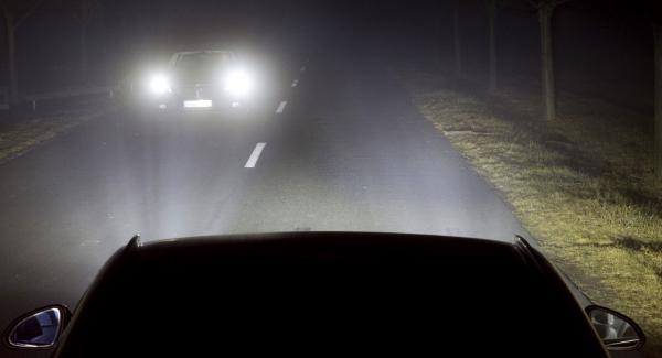 Bättre sent än aldrig. Opel har utvecklat en egen typ av adaptiva LED-strålkastare.