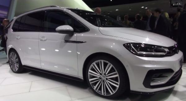 2015 års Volkswagen Touran.