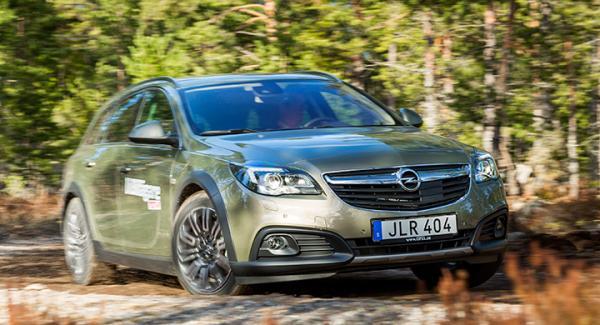 Opel Insignia Country Tourer 2015.