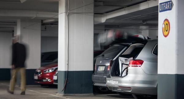 Spökande bagagelucka i VW Passat.