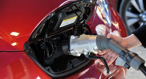 Populariteten hos Nissan Leaf ökar hos privatpersoner.
