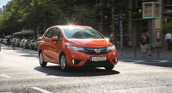 Nya Honda Jazz lanserades i Sverige i början av oktober. Det är en fyrametersbil som konkurrerar med bland andra klassledande VW Polo.
