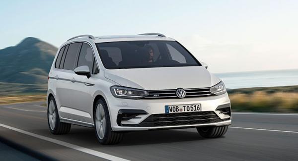 Volkswagen Touran R-Line.