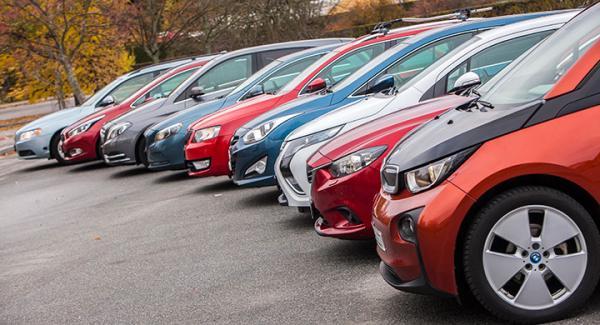 Det gamla långteststallet har precis fasats ut och snart gör fem nya bilar debut. Men vilka de är avslöjar vi inte än. Det är dock fritt fram att redan nu gissa vilka modeller vi köpt in.