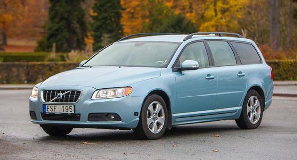 Långteststallets veteran, Volvo V70, rullar mot nya mål.