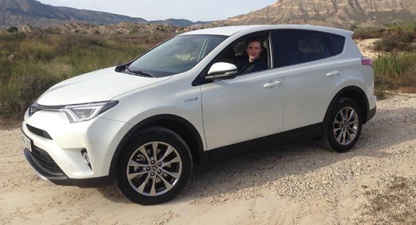 På svenska marknaden skippar Toyota dieseln i nya RAV4 till förmån för hybriddrift.
