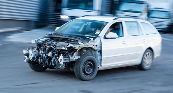 Även om bilen är körbar så kan tidigare olyckor påverka mycket, och konsumenten kan vara ovetande tills det är för sent.
