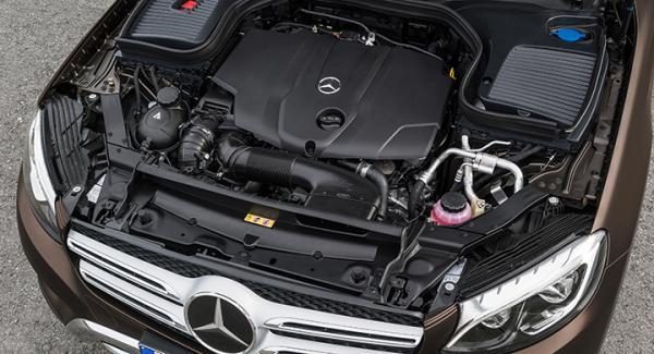 Frågeställaren undrar vad som egentligen klassas som Mercedes-Benz-olja.