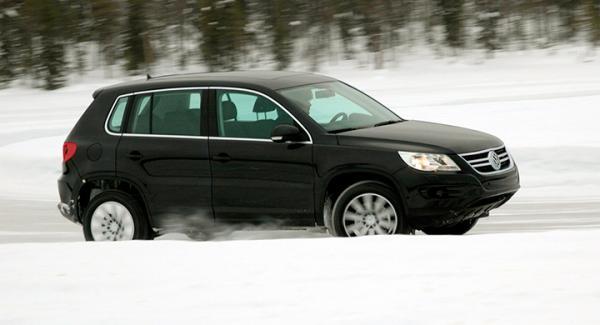 Frågeställaren har problem med p-värmare och tillsatsvärmare på sin Volkswagen Tiguan från 2009.